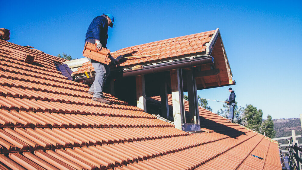 roofing tile laying